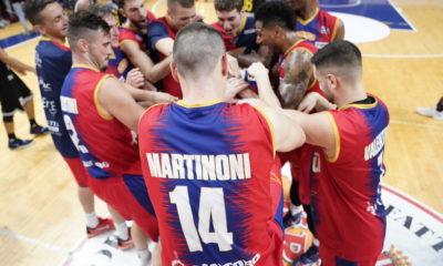 I giocatori della Junior Casale festeggiano la vittoria contro Bergamo, Serie A2 2019/20