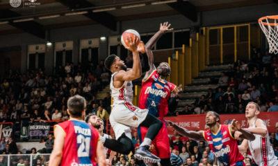 Derthona Basket, in azione nel derby contro la Junior Casale