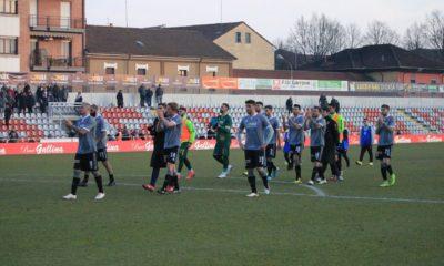 I calciatore dell'Alessandria salutano i tifosi dopo la sfida interna contro l'Olbia