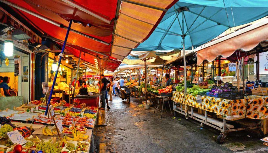 Torino: da lunedì sospesi tutti i mercati all'aperto - Telecity ...