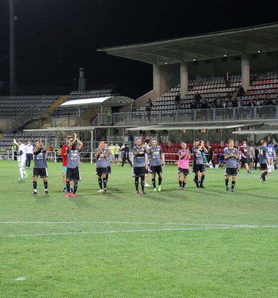L'Alessandria saluta i tifosi dopo il pareggio in amichevole contro la Sampdoria dello scorso 5 settembre