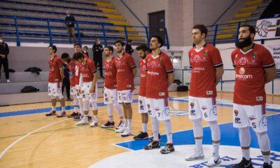 I giocatori del Derthona Basket prima del match contro la Scaligera Verona