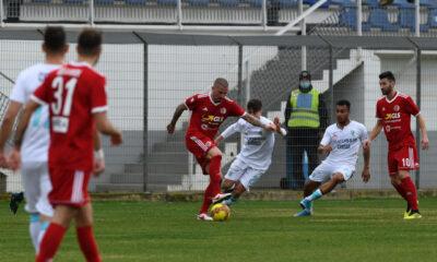 Umberto Eusepi controlla il pallone durante la sfida contro l'Olbia del 30/1/2021